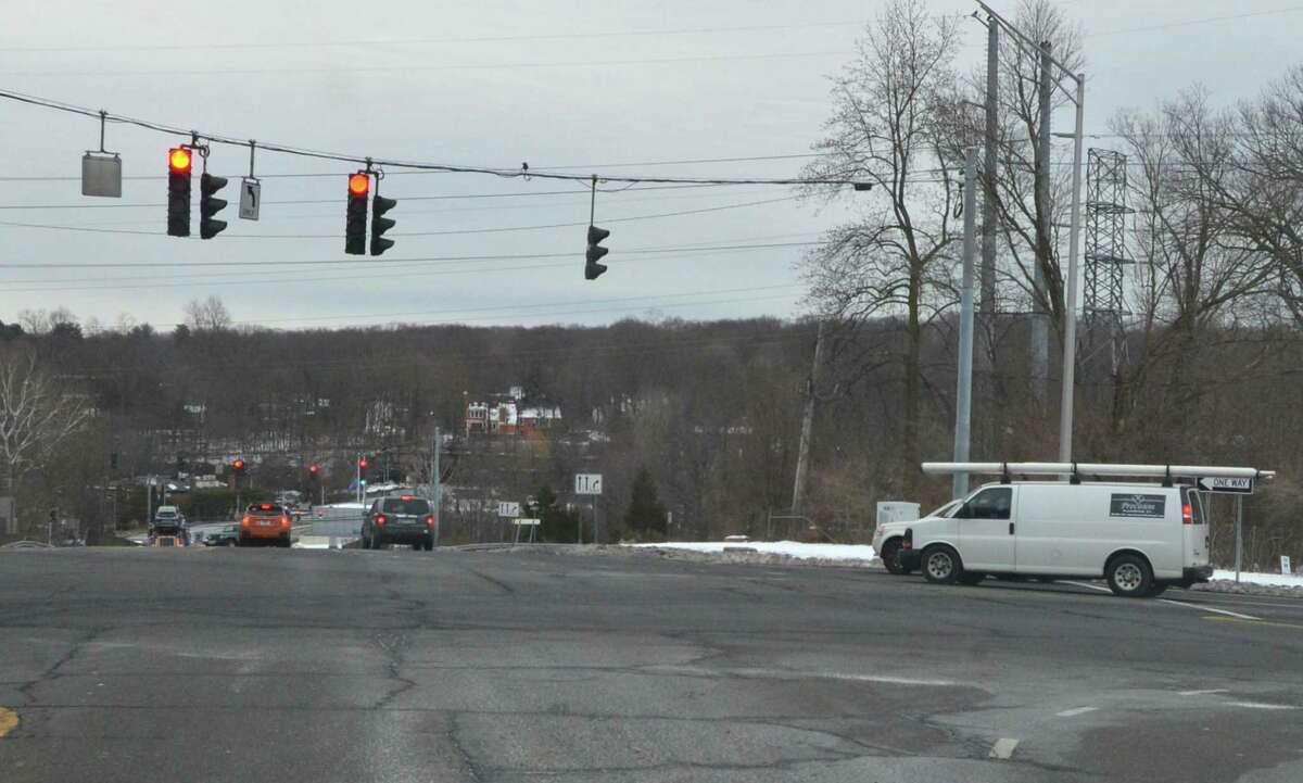 The intersection of the Rt 7 connector and Grist Mill Road in Norwalk.