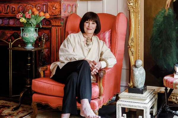 "-- PHOTO MOVED IN ADVANCE AND NOT FOR USE - ONLINE OR IN PRINT - BEFORE APRIL 03, 2016. -- Gloria Vanderbilt at her apartment in New York, March 23, 2016. Vanderbilt, who has been in the public eye since her birth 92 years ago, covers the familiar terrain of her colorful life in a new documentary and a memoir, ?""Nothing Left Unsaid,?"" with her son Anderson Cooper. (Ike Edeani/The New York Times) ORG XMIT: XNYT138"