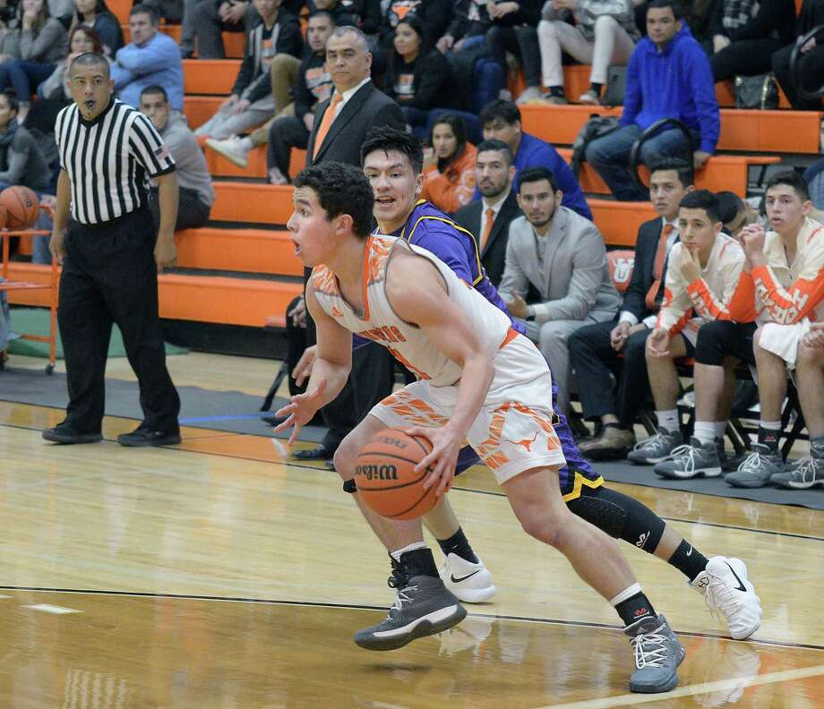 Gabe Gaytan scored 10 points in his final game for United as the Longhorns were eliminated Monday with a 52-48 loss against McAllen Memorial in Roma. Photo: Cuate Santos /Laredo Morning Times File / Laredo Morning Times