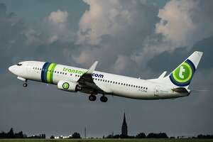 An A320 Airbus plane of the Transavia company takes off, on October 11, 2014 at the Lille-Lesquin airport.       AFP PHOTO PHILIPPE HUGUEN        (Photo credit should read PHILIPPE HUGUEN/AFP/Getty Images)