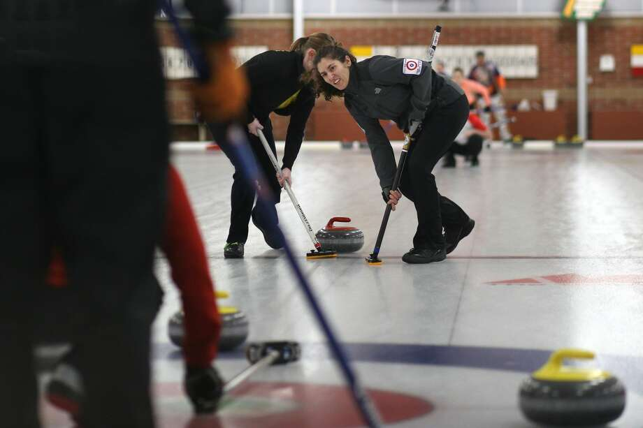 Julia DiBaggio of Mayfield Curling Club looks up during the Great Lakes Curling Association's Mixed Curling Championship at the Midland Curling Center in Midland on Sunday, Feb 19, 2018. (Samantha Madar/for the Daily News) Photo: (Samantha Madar/for The Daily News)