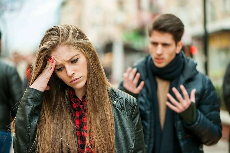 A young woman wonders why her boyfriend is lying to her. Photo: Stock-eye, Getty Images