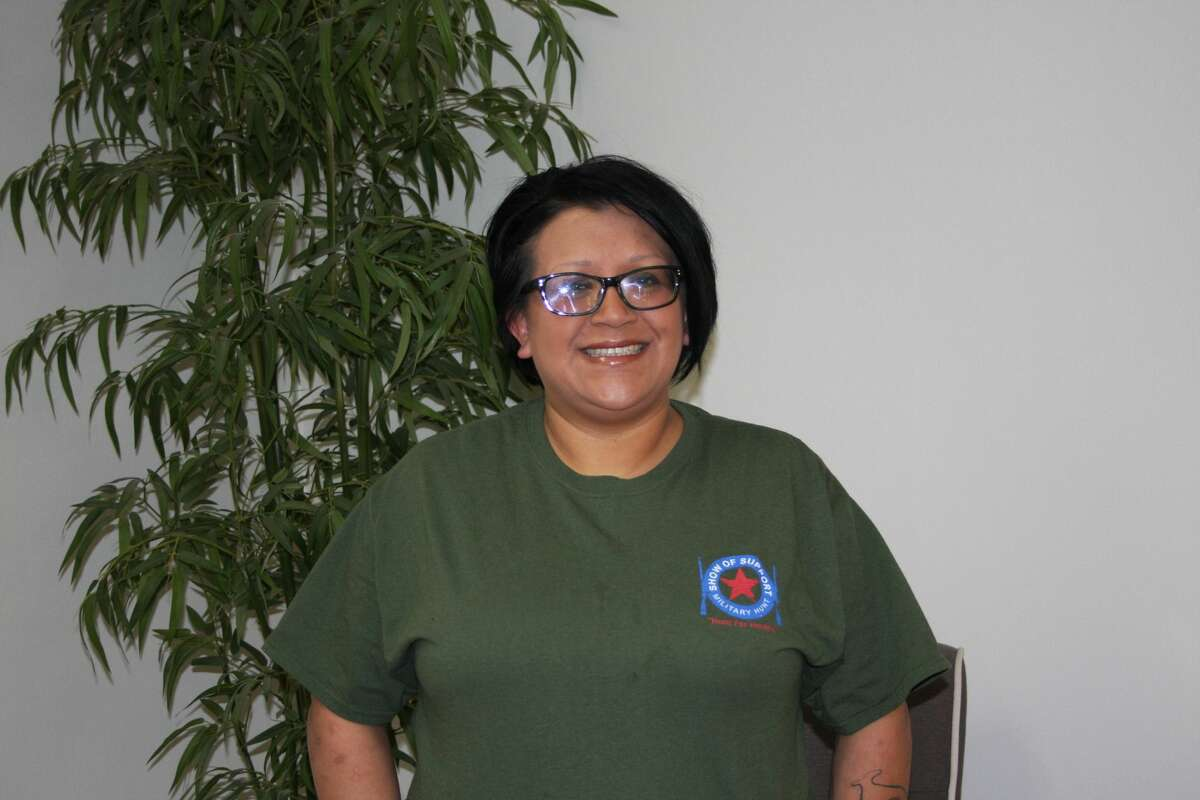 Angel Muñozenrolled in classes at Midland College and began participating in the college's veterans' student organization.