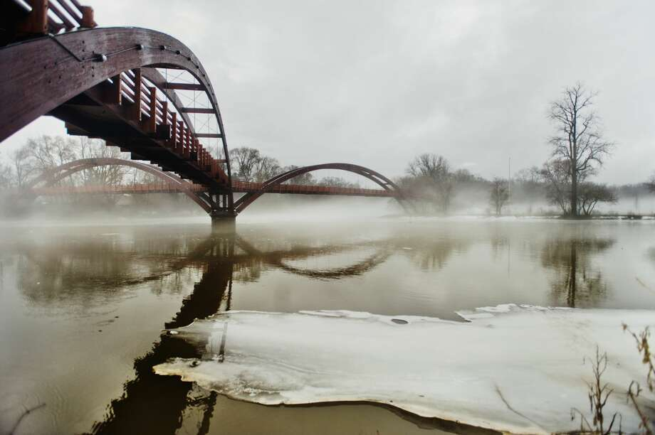 Fog blankets the Tridge on Tuesday, Feb. 20, 2018 in Midland. (Katy Kildee/kkildee@mdn.net) Photo: (Katy Kildee/kkildee@mdn.net)