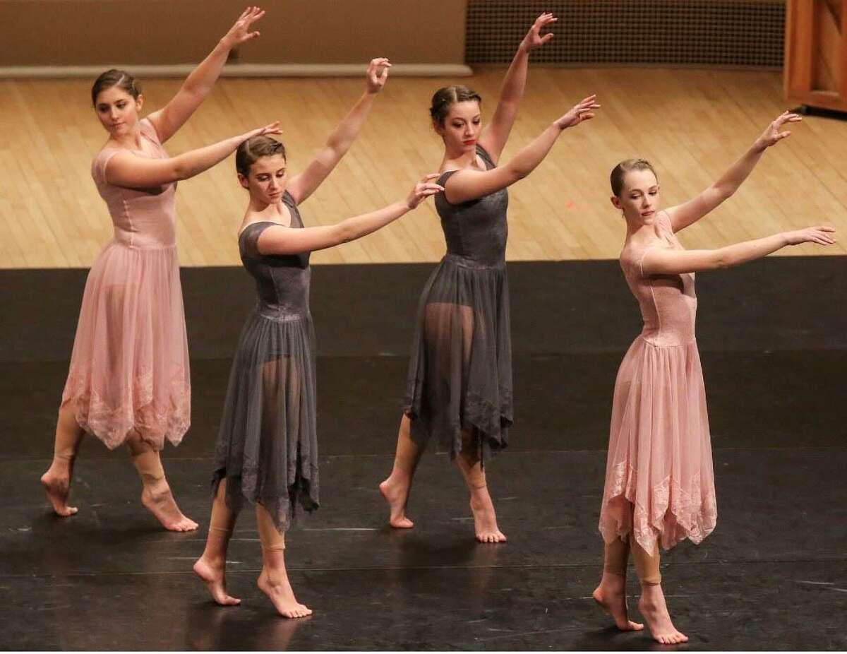Dancers Alexa Esposito, Katie Luken, Rachel Tomanelli and Lindsey Federowicz, grace the Carnegie Hall stage.