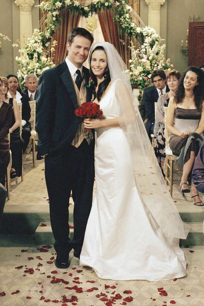 Friends Monica Geller And Chandler Finally Tied The Knot In Season 7