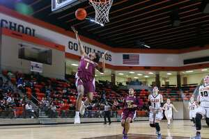 February 20, 2018:   Summer Creek Bulldogs point guard Adaora Nwokeji (1) goes up unchallenged for a layup during the Girls basketball Regional Quarterfinal playoff game between the Summer Creek Bulldogs and Alvin Yellowjackets at La Porte High School in La Porte, Texas. (Leslie Plaza Johnson/Freelance