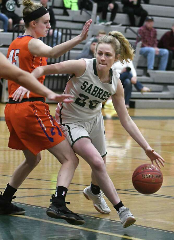 Schalmont's Madison Graber drives to the basket guarded by Catskills' Lynzie Darling during a basketball game on Tuesday, Feb. 20, 2018 in Rotterdam, N.Y. (Lori Van Buren/Times Union) Photo: Lori Van Buren / 20042960A
