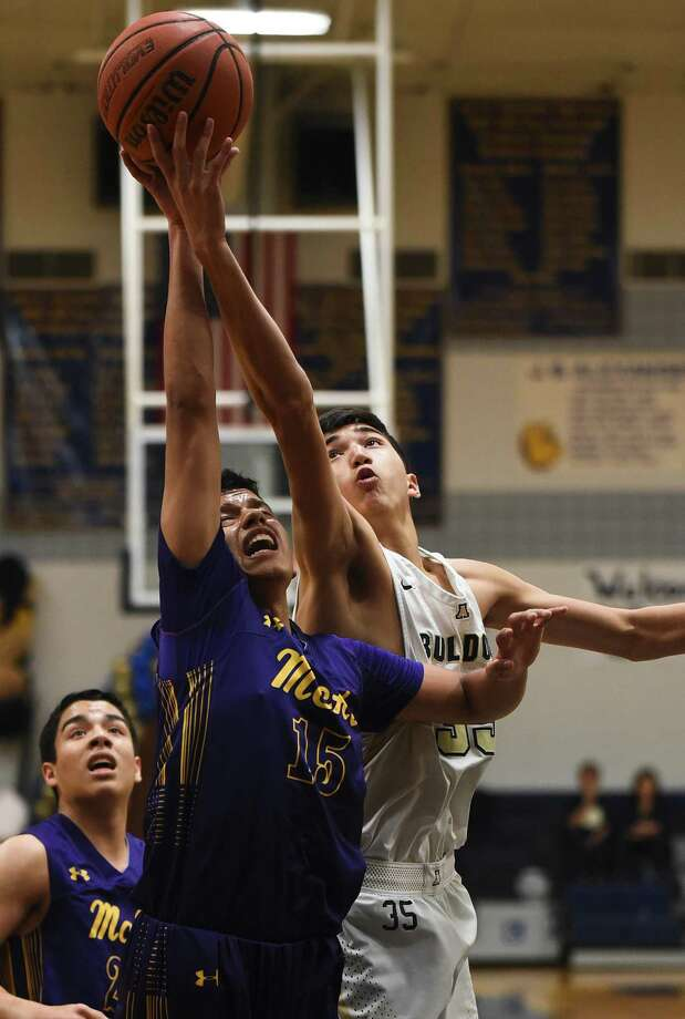 Jorge Rivera and Alexander take on Harlingen at 7 p.m. Tuesday at CC Carroll in the third round. Photo: Danny Zaragoza /Laredo Morning Times File