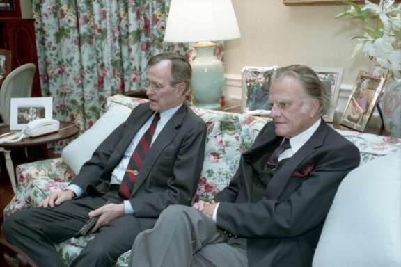 Reverend Graham with President Bush in the White House residence on January 16, 1991.