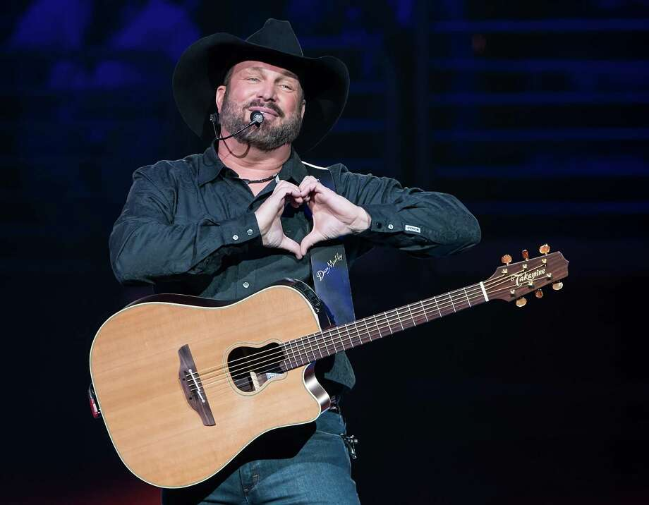 Country superstar Garth Brooks is slated to take the stage Tuesday, launching the 2018 RodeoHouston concert series beginning. Continue through the photos to see the other 90s country music stars that we still love to this day. Photo: Gilbert Carrasquillo/Getty Images, Contributor / 2017 Gilbert Carrasquillo