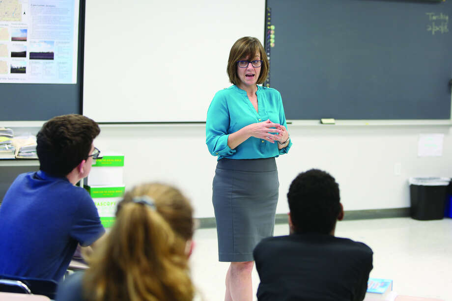 The Edwardsville High School Democrat Club asked State Rep. Katie Stuart to come to its meeting to talk about about life in politics and some of the state's most pressing issues.