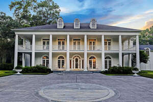 27 E. Rivercrest Drive:  $5,295,000 / 14,094 square feet