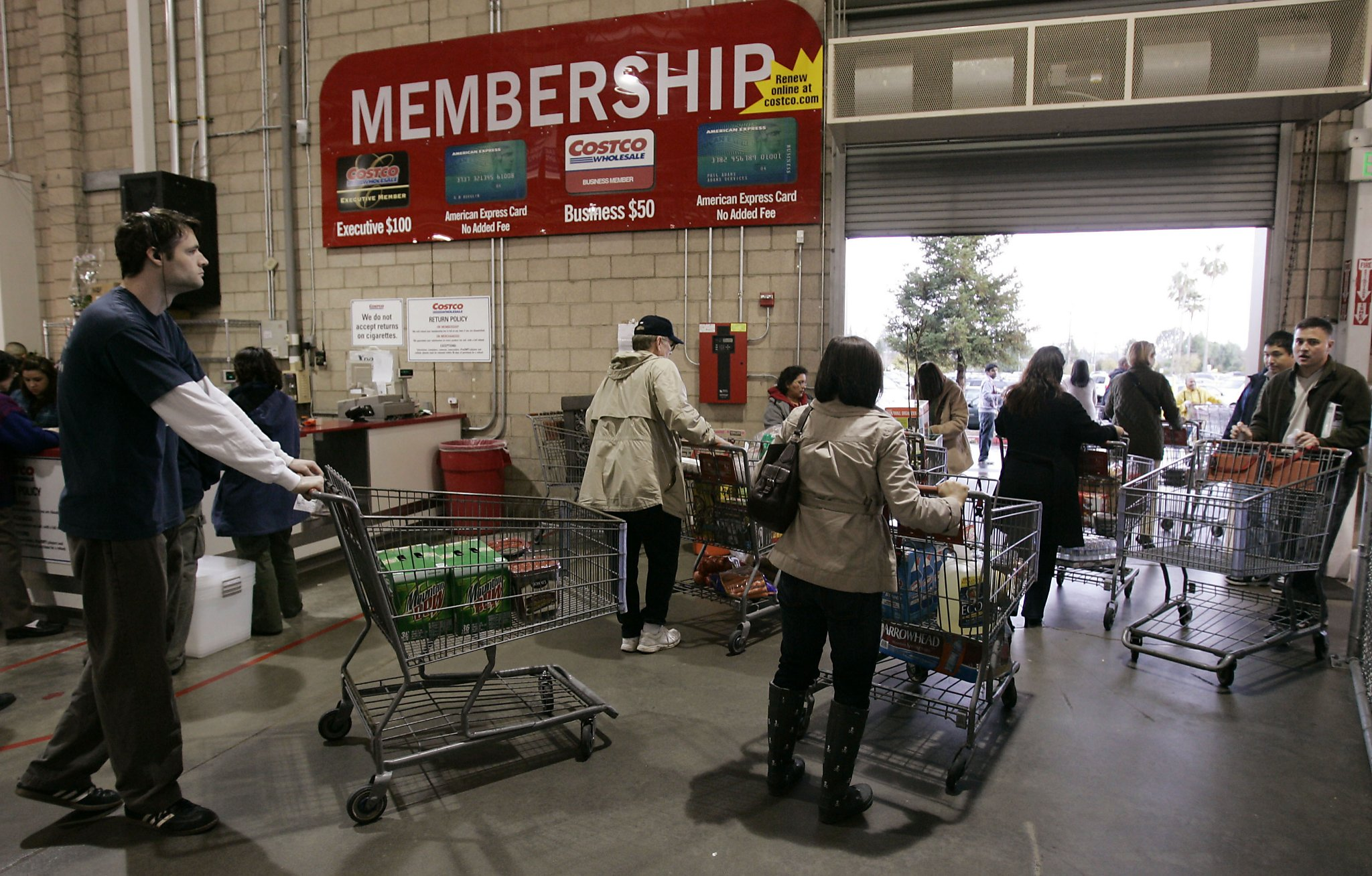 8ef14b6d3db9 Always get lost in Costco? Here's how the employees navigate the ...