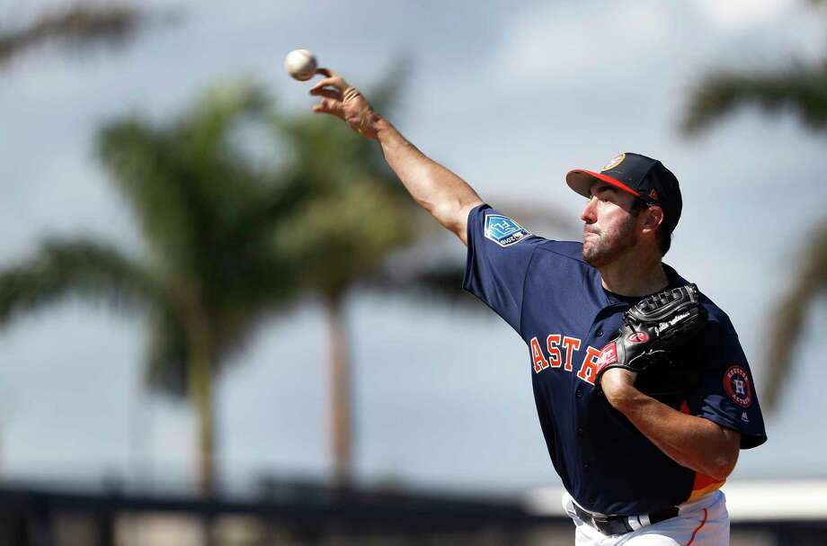 Houston Astros RHP pitcher Justin Verlander (35) throws live batting practice, as full squad workouts began during spring training day at The Ballpark of the Palm Beaches, Monday, Feb. 19, 2018, in West Palm Beach    ( Karen Warren / Houston Chronicle ) Photo: Karen Warren, Staff / © 2018 Houston Chronicle