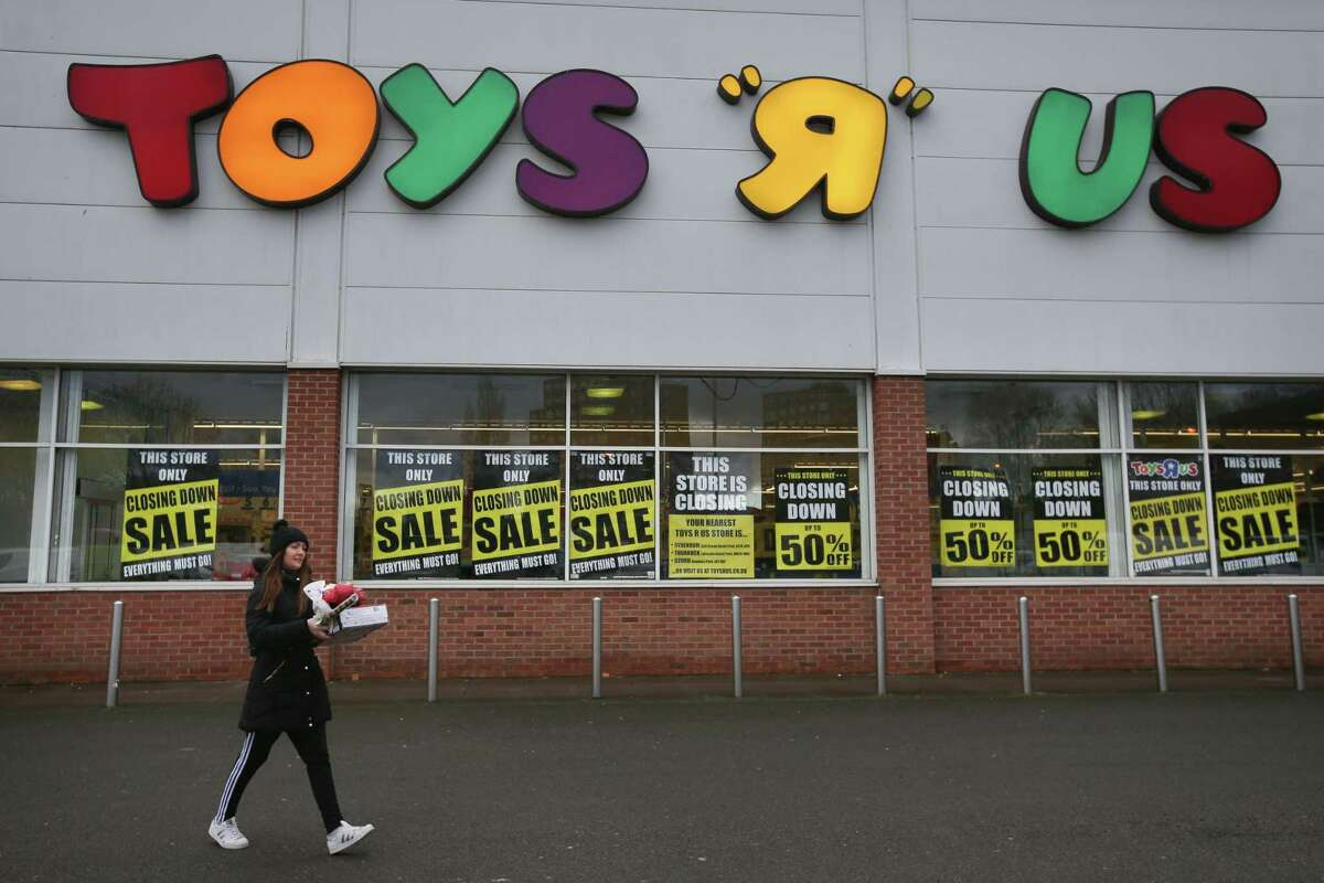 A London Toys 'R' Us store slated for closure in February 2009.