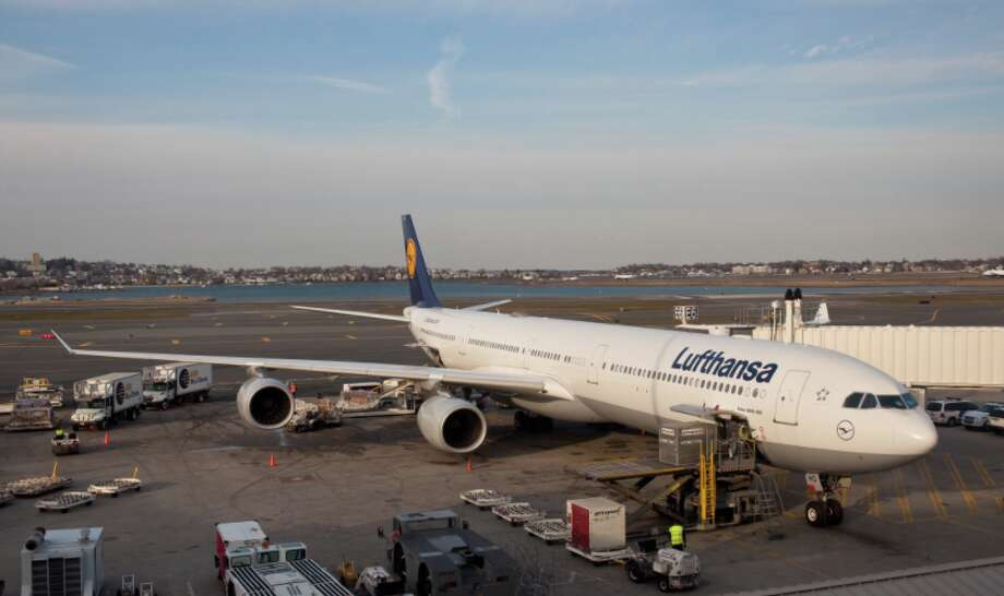 Lufthansa's Airbus A340, similar to this one, will fly away from Mineta San Jose SJC for good at the end of this month. Photo: Phillip Capper / Wikimedia Commons