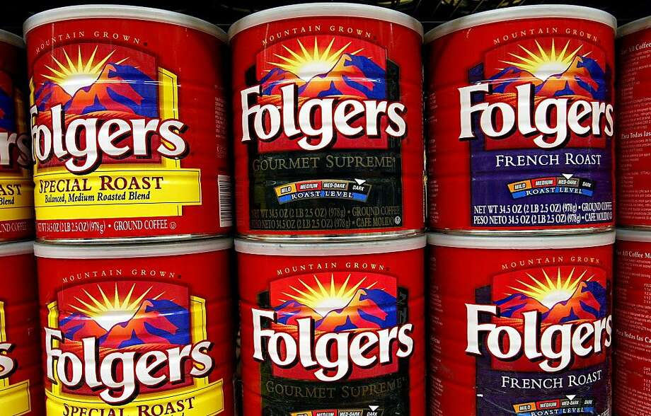 Folgers famously sold its coffee in tins, but discontinued the practice of using its metal cans in 2003, switching to an airtight plastic container. Photo: Justin Sullivan, Getty Images