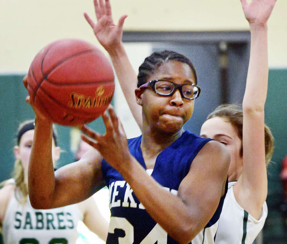 Mekeel Christian Academy's #34 Liz Singleton during Friday's game Jan. 26, 2018 in Rotterdam, NY.  (John Carl D'Annibale/Times Union) Photo: John Carl D'Annibale / 20042716A