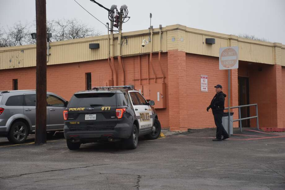 A shooting victim was found at a San Antonio methadone clinic in the 3600 block of Culebra Road on Thursday, Feb. 22, 2018. Photo: Caleb Downs
