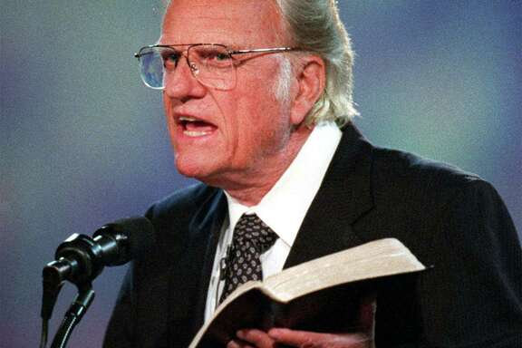 """I want us to get our eyes on Jesus this week,"" evangelist Billy Graham urged in September 1996. (Bob Leverone/Charlotte Observer/TNS)"