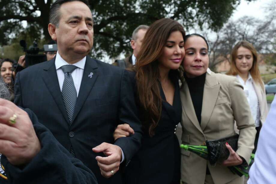 Texas State Sen. Carlos Uresti and his wife Lleanna, leave the Federal Court after he was convicted on all counts in his criminal fraud trial, Thursday, Feb. 22, 2018. Photo: Jerry Lara, San Antonio Express-News / 2018 San Antonio Express-News