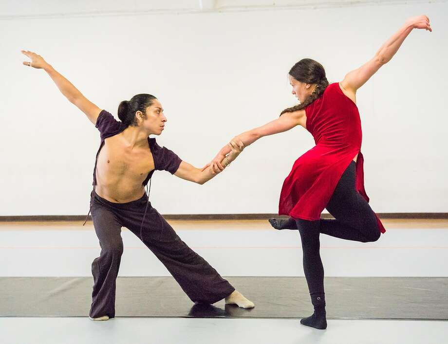 "Robert Moses' Kin dancers Byron Roman and Khala Brannigan rehearse ""BootstrapTales"" at Studio 200 in San Francisco. Photo: Steve Disenhof"
