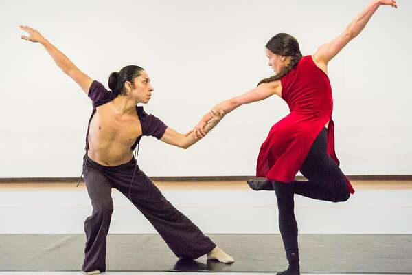 Robert Moses' Kin performs Bootstrap Tales at Yerba Buena Center for the Arts, Feb. 23-25.  www.ybca.org.    Pictured: Robert Moses' Kin dancers Byron Roman and Khala Brannigan rehearsing BootstrapTales at Studio 200.  Photograph by Steve Disenhof     --