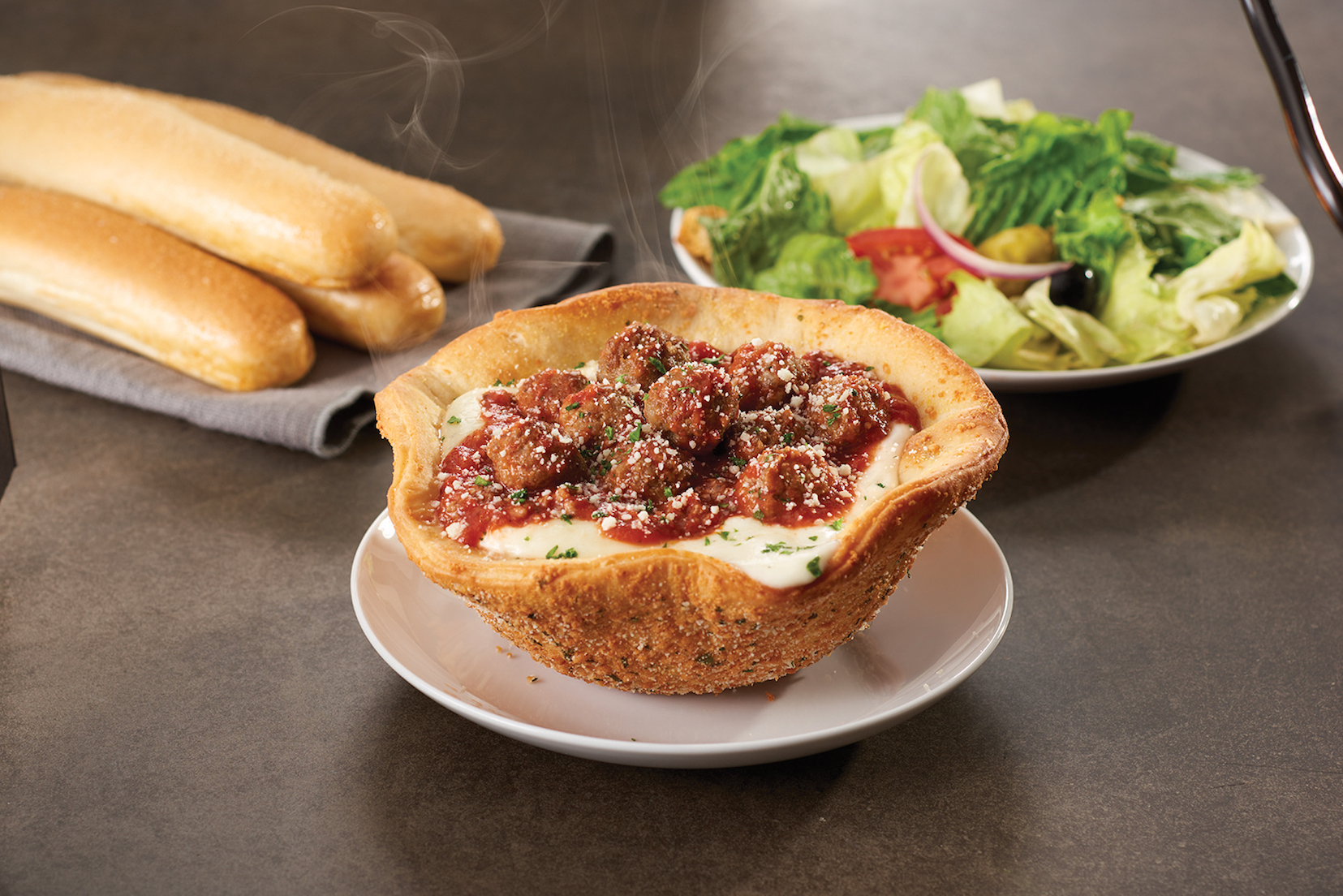Olive Garden 39 S Newest Menu Item The Meatball Pizza Bowl Is Startling Connecticut Post