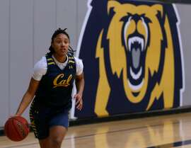 Sophomore guard Jaelyn Brown practices with her Cal Bears basketball teammates at UC Berkeley on Wednesday, Feb. 21, 2018.