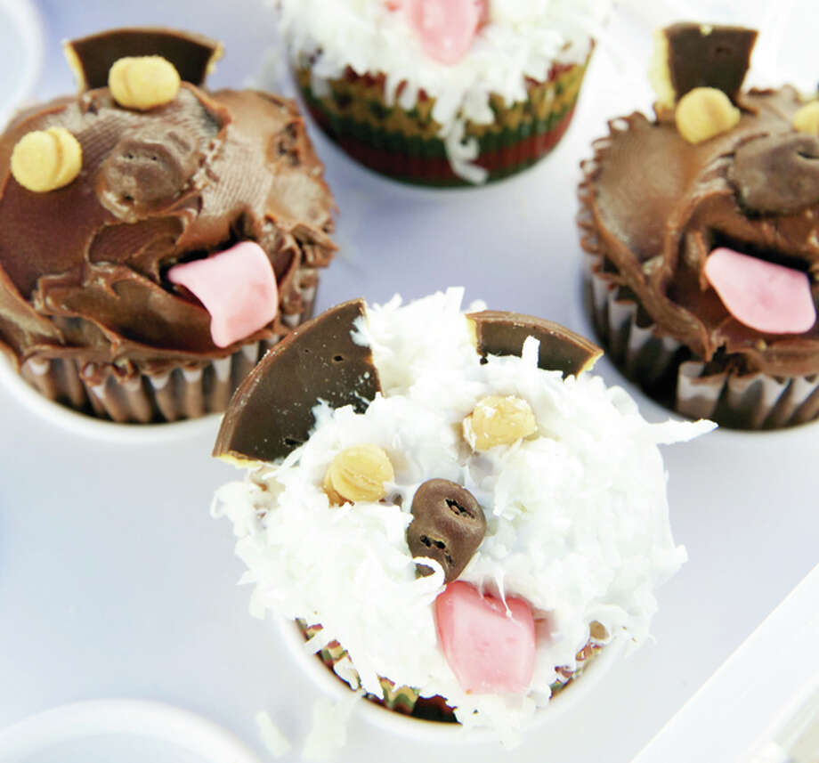 Marge Griffith made these dog-themed cupcakes for a recent PAWS event supporting the Bark for the Park effort to earn funds for a dog park in Jacksonville. Submitted photo by Warmowski Photography.