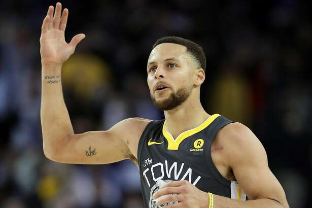 Golden State Warriors' Stephen Curry celebrates a 4th quarter 3-pointer during Warriors' 134-127 win over Los Angeles Clippers in NBA game at Oracle Arena in Oakland, Calif., on Thursday, February 22, 2018.