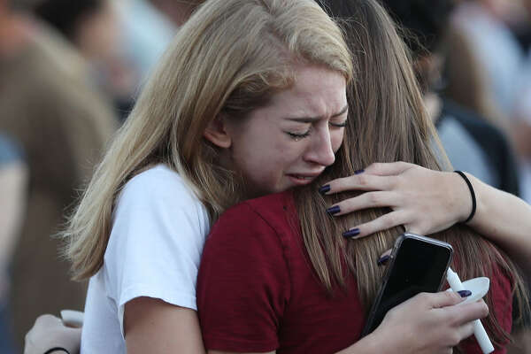 An internal review by a local sheriff's office indicated that Scot Peterson, the resource officer on duty during the Parkland shooting, failed to confront the gunman.