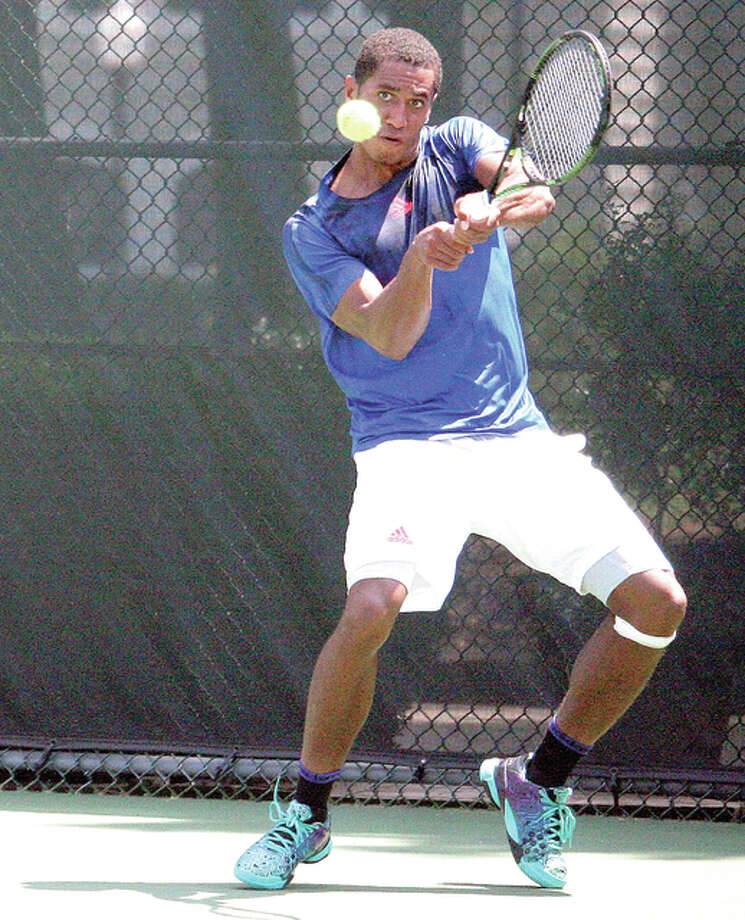Michael Mmoh makes a return in Sunday's singles final against Jared Hiltzik at the 18th annual Lewis and Clark Community College's Men's Futures Tournament at the Andy Simpson Tennis Complex. Photo: Daniel Winningham | For The Telegraph