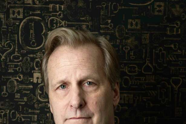 "Jeff Daniels portrays FBI agent John O'Neill in the new Hulu series ""The Looming Tower,"" about the years leading up to 9/11."