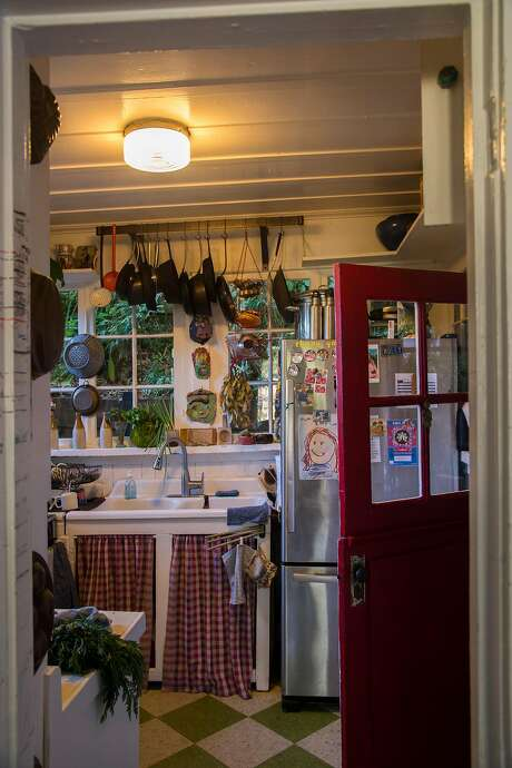 The de Vries' kitchen in Mill Valley. Photo: Nic Coury, Special To The Chronicle