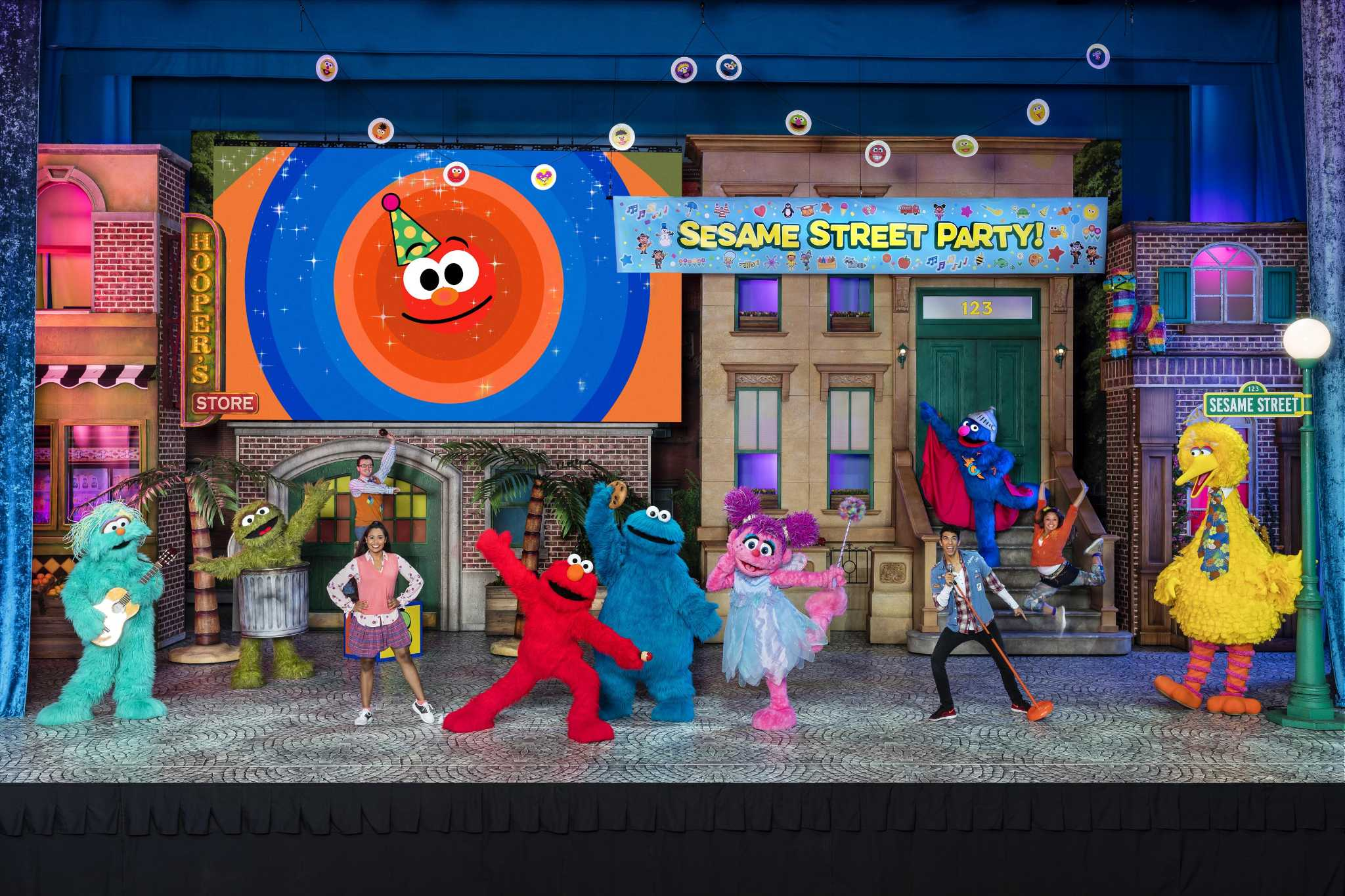 'Sesame Street Live! Let's Party!' at Toyota Oakdale ...