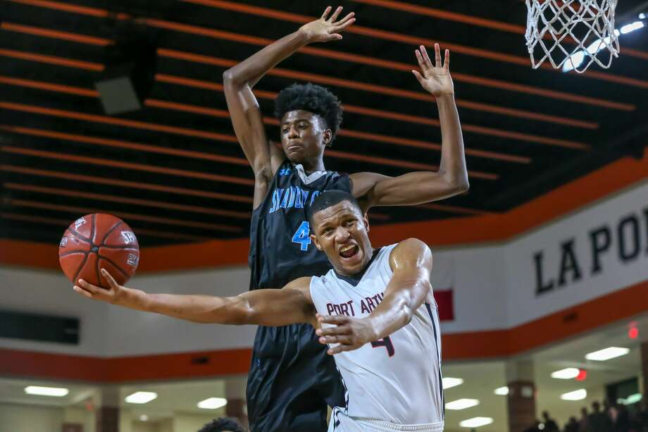 February 23, 2018:  PA Memorial Darion Chatman (4) goes up for a hook shot during the 5A  Area Playoff Boys basketball game between the Port Arthur Memorial Titans and Shadow Creek Sharks at La Porte High School in La Porte, Texas. (Leslie Plaza Johnson/Freelance Photo: Leslie Plaza Johnson/For The Chronicle