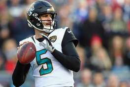 FOXBOROUGH, MA - JANUARY 21:  Blake Bortles #5 of the Jacksonville Jaguars throws in the first quarter of the AFC Championship Game against the New England Patriots at Gillette Stadium on January 21, 2018 in Foxborough, Massachusetts.  (Photo by Adam Glanzman/Getty Images)