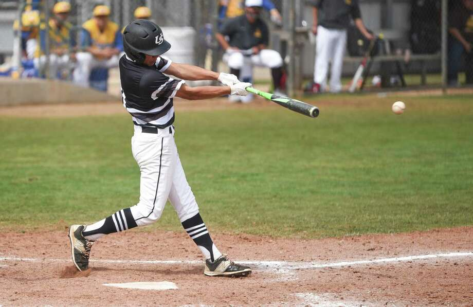 United South infielder Devin Benavides was one of three players to score three runs in a 12-11 victory at Zapata in non-district action Saturday. They close the season Tuesday against LBJ. Photo: Danny Zaragoza /Laredo Morning Times File