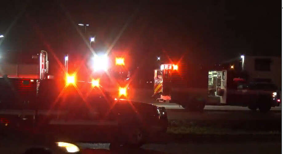 One person died late Saturday after a wreck on Loop 610. Photo: Metro Video