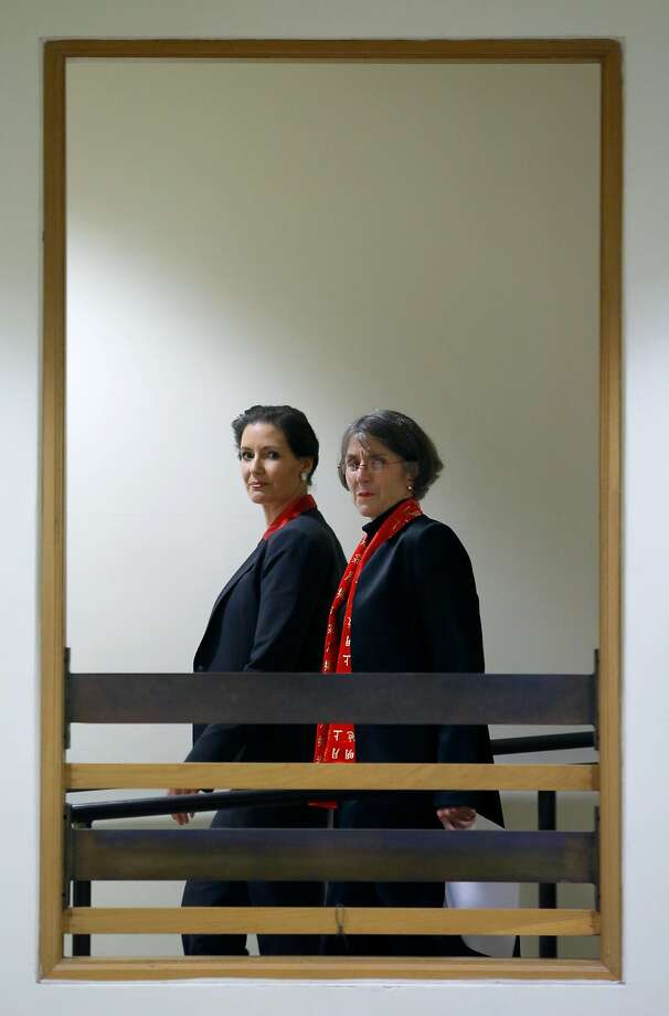 Mayor Libby Schaaf walks through City Hall with Anne Kirkpatrick to a news conference where the mayor will announce Kirkpatrick as the new chief of police in Oakland, Calif. on Wednesday, Jan. 4, 2017. Photo: Paul Chinn / The Chronicle 2017