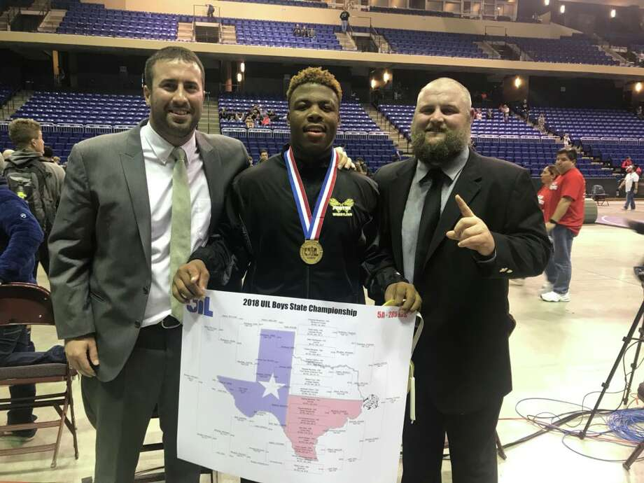 Foster sophomore Chidozie Nwankwo finished 26-0, winning a thrilling final match for the 285-pound state championship. He defeated Dumas' Carlos Sanchez 9-8 in an ultimate tiebreaker for the gold medal.