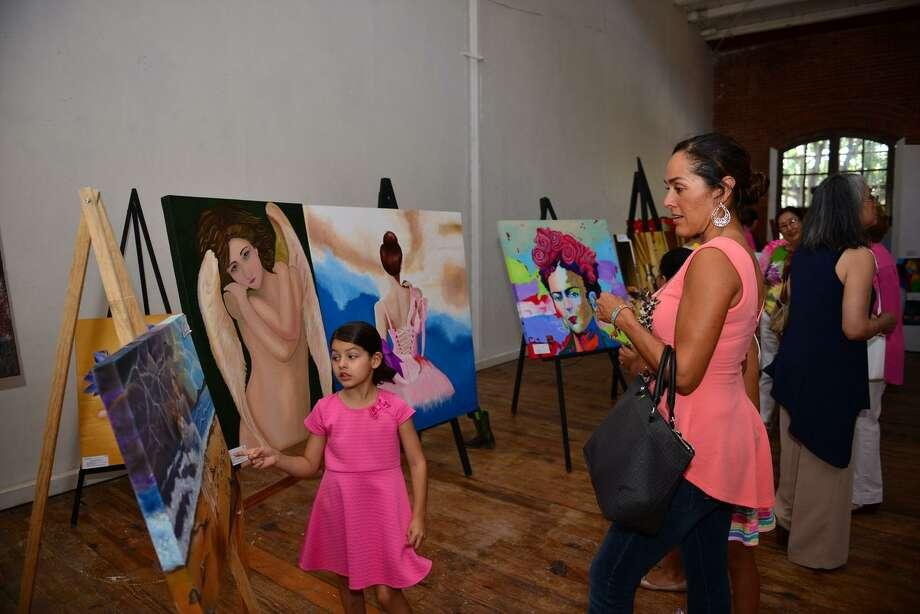 El miércoles es el último día para enviar nominaciones para el concurso Mujeres Extraordinarias. Photo: Foto De Cortesía