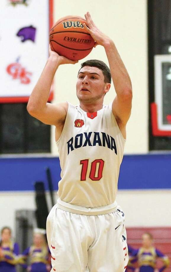 Roxana's Tracy Gentry joined a select group of Shells on Tuesday by reaching 1,000 points for his career Tuesday during the Duster Thomas Tournament in Pinckneyville. The 9-5 Shells split four games in the tourney to finish sixth. Billy Hurst / For The Telegraph