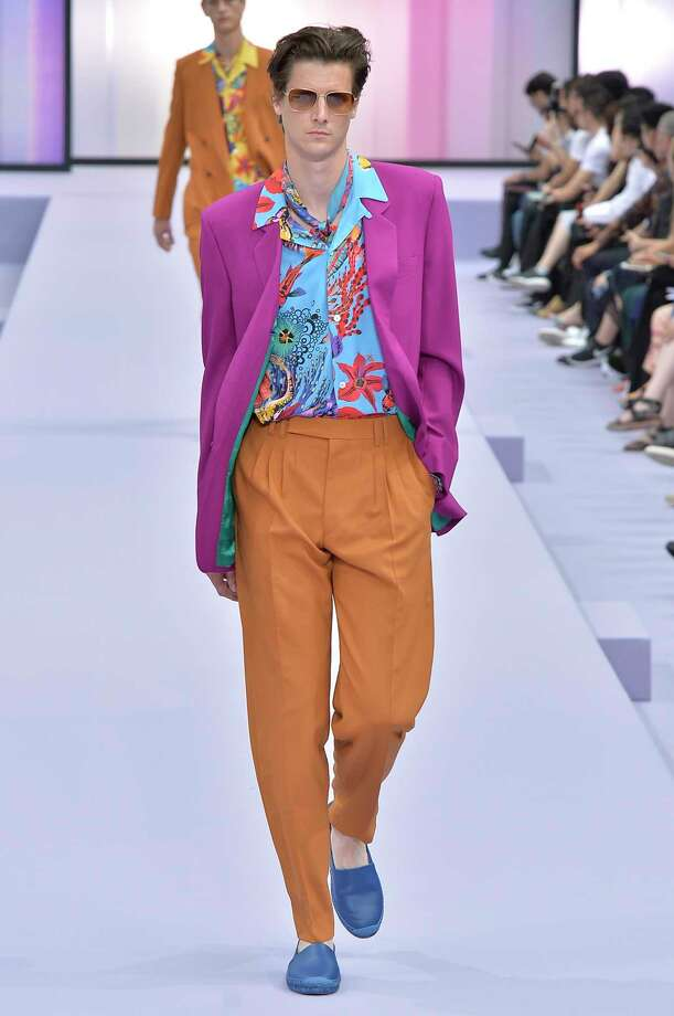 COLOR MIX: Paul Smith Photo: (Photo By Catwalking/Getty Images), Contributor / 2017 Catwalking