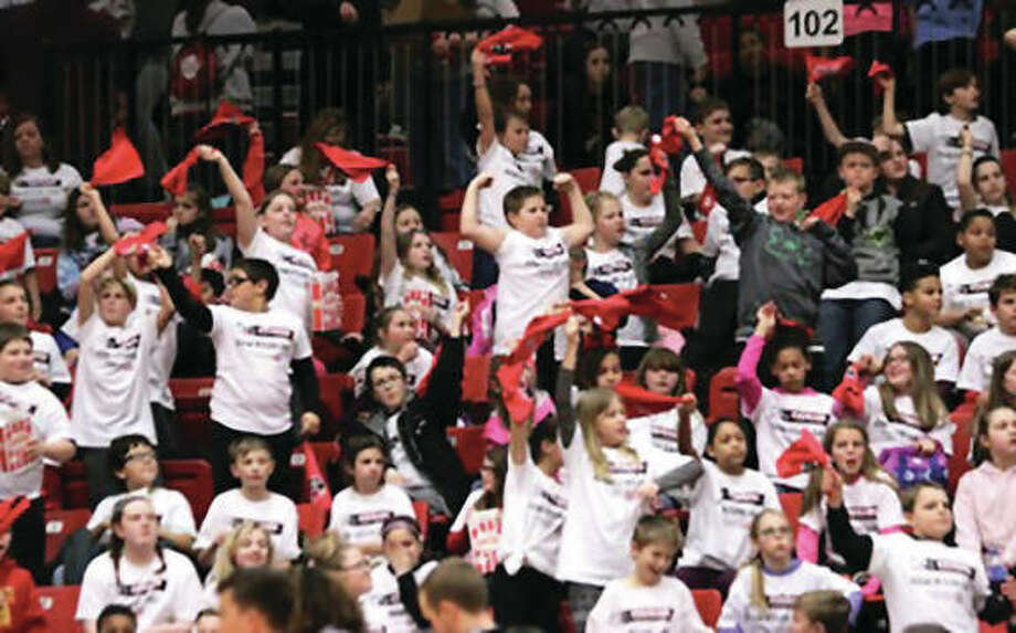 A SIUE women's basketball record-setting crowd announced at 3,875 — mostly students in grades 3-8 — packed the Vadalabene Center on Thursday for Field Trip Day to watch the Cougars defeat Tennessee Tech. Photo: SIUE Athletics