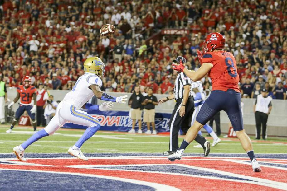 Arizona tight end Trevor Wood (8) announced that he will transfer to Texas A&M for the 2018 season. Photo: Icon Sportswire/Icon Sportswire Via Getty Images