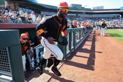 Giants announce start of spring-training ticket sales