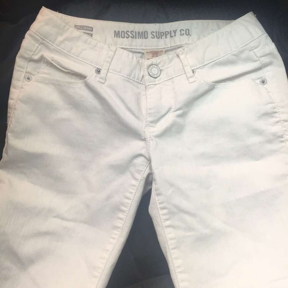 A photograph of jeans similar to the ones worn by the victim.